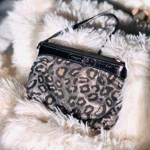 🎉 Coach- Cheetah Print Wristlet 🎉